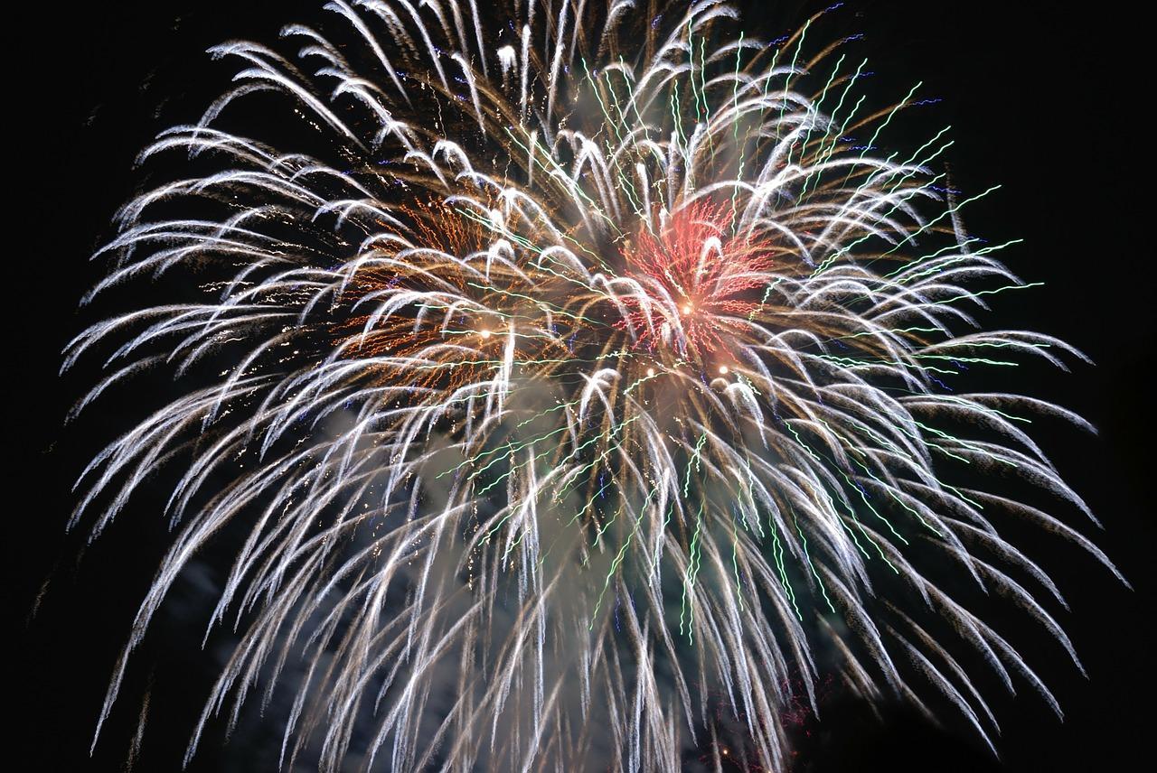 fireworks-80187_1280